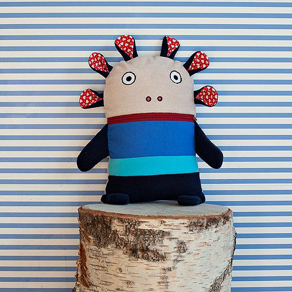 Polštářek Pyžamožrout modrý s červenými tykadly ...