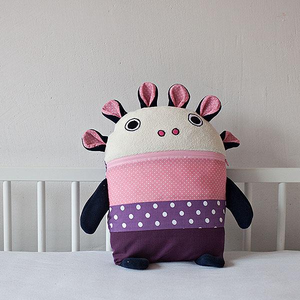Polštářek Pyžamožrout růžový 35x30cm