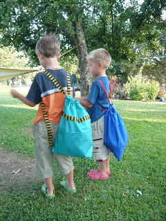 Praktický dětský batůžek zelený