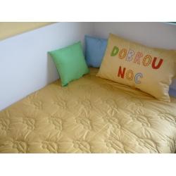Dětský přehoz na postel žlutozelený